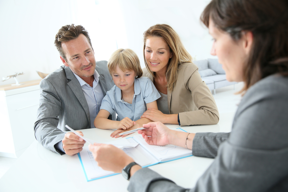 Family meeting real-estate agent to buy new home: HOW TO RETAIN EXPAT STAFF WITH A SIMPLE SIGNATURE