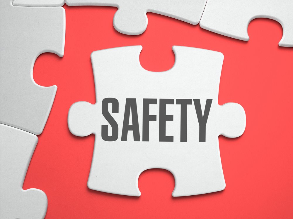Safety - Text on Puzzle: ALERT: COVID-19 TRAVEL BANS