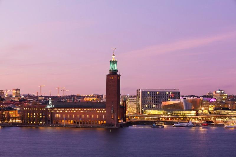View_city_hall_waterfront_building_Photo_Erik_G_Svensson_Low-res